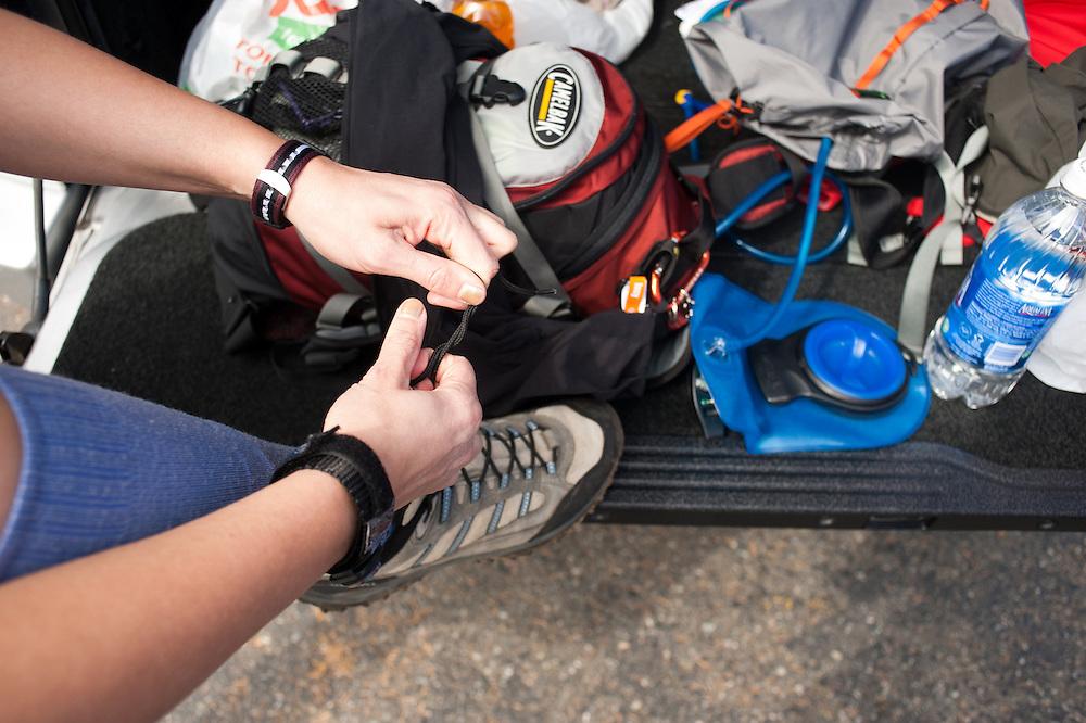 Tying shoes in Washington.