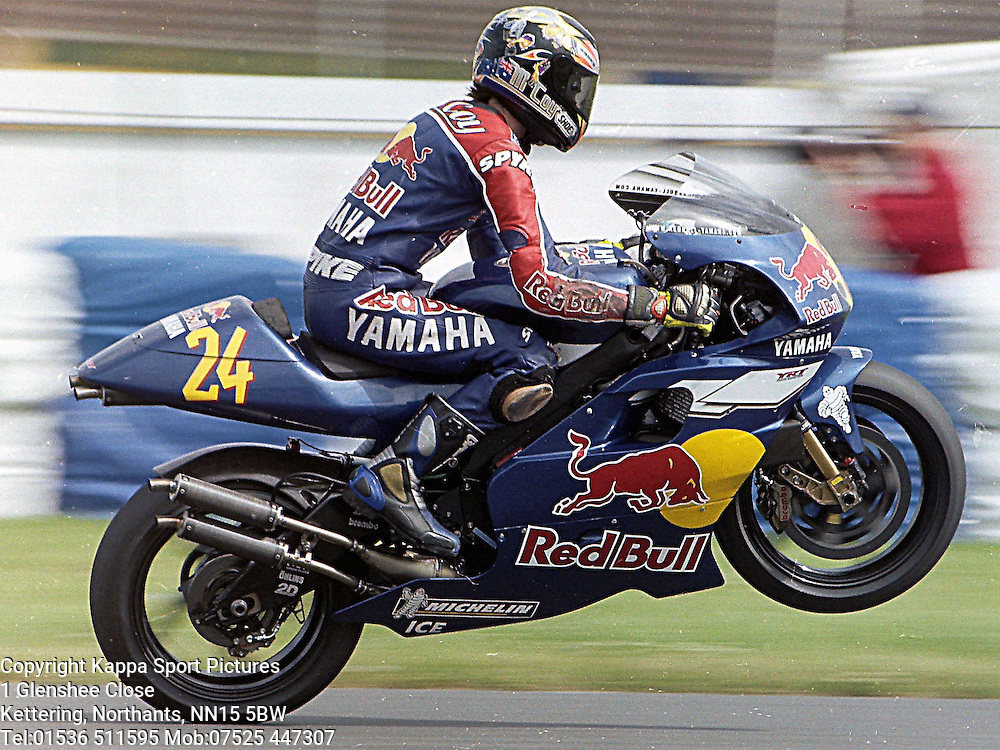 British motor cycle grand prix 1999 kappa sport pictures for Yamaha 500cc sport bikes