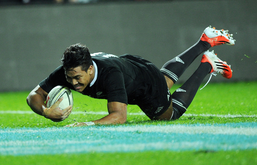 New Zealand's Julian Savea scores his third try against England in the third International Rugby Test at Waikato Stadium, Hamilton, New Zealand, Saturday, June 21, 2014.Credit:SNPA / Ross Setford