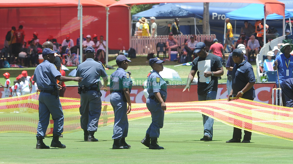 Pretoria 26-12-18. The 1st of three 5 day cricket Tests, South Africa vs Pakistan at SuperSport Park, Centurion. Day 1. Police keep an ey on the crowd during lunch time.<br /> Picture: Karen Sandison/African News Agency(ANA)