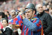 FUSSBALL      CHAMPIONSLEAGUE  FINALE     SAISON 2010/2011  28.05.2011 FC Barcelona - Manchester United FC  Barca Fan mit Fotoapparat