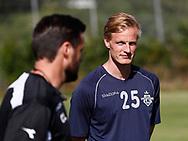 FODBOLD: Thomas Dalgaard og cheftræner Christian Lønstrup under træningen hos FC Helsingør den 4. juli 2017.. Foto: Claus Birch
