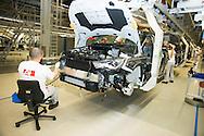 Le Roi Philippe était présent à l'usine Audi Forest afin d'inaugurer la 500.000 eme Audi A1 sortie des chaines de production. Ainsi que rencontrer des jeunes dans le cadre de l'enseignement et formation emploi.<br /> Bruxelles, le 14 octobre 2014, Belgique