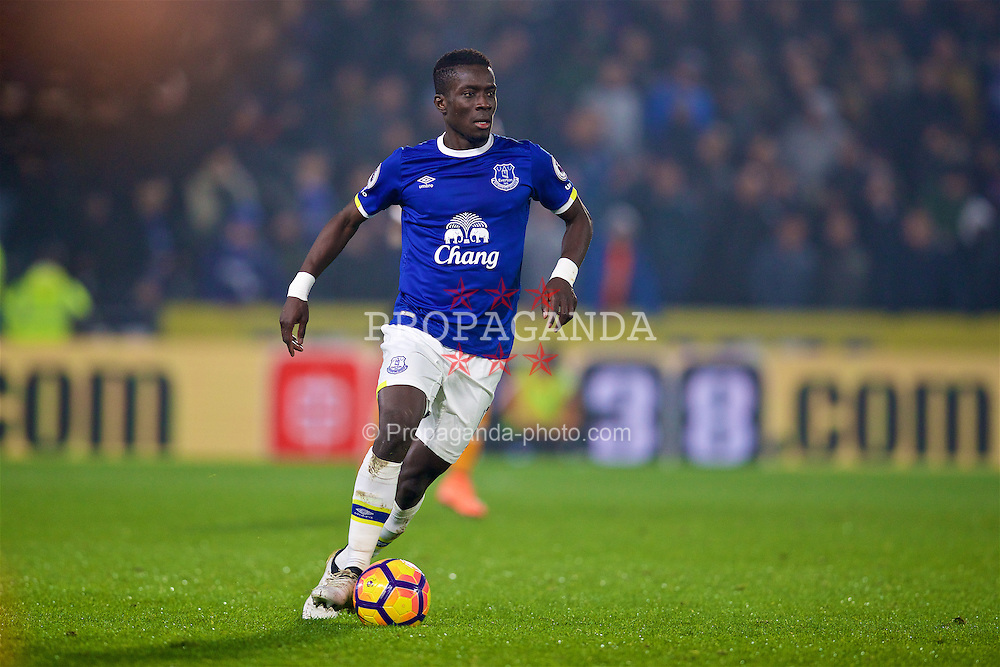 KINGSTON-UPON-HULL, ENGLAND - Friday, December 30, 2016: Everton's Idriss Gana Gueye in action against Hull City during the FA Premier League match at the KCOM Stadium. (Pic by David Rawcliffe/Propaganda)