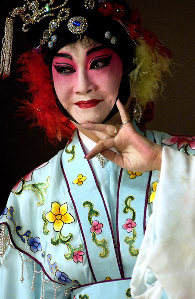 Chinese Opera performance in San Francisco on Aug 22, 2004.