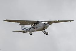 Cessna 172S (N52535) on approach into Palo Alto Airport (KPAO), Palo Alto, California, United States of America