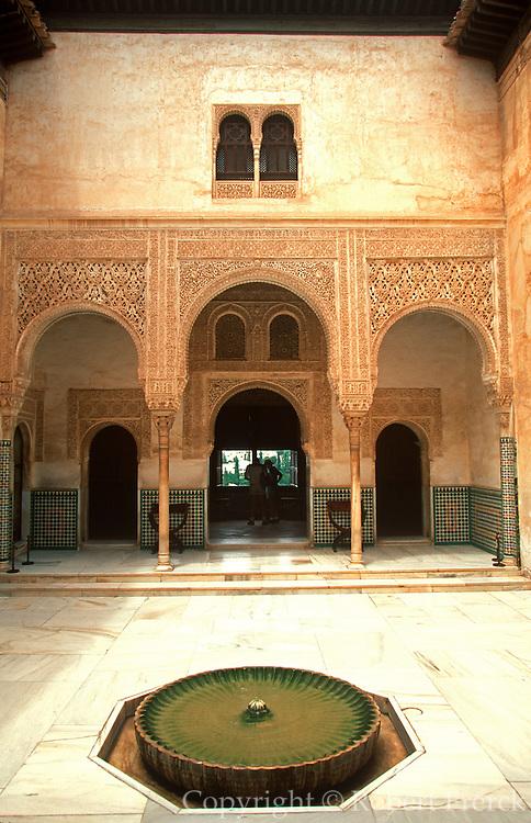 SPAIN, GRANADA Alhambra, Patio del Cuarto Dorado