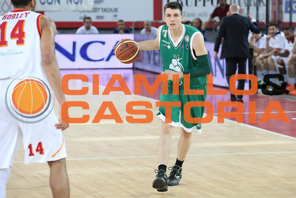 DESCRIZIONE : Roma semifinale gara 3 playoff 2013-2014 Acea Roma Montepaschi Siena<br /> GIOCATORE : Matt Janning<br /> CATEGORIA : palleggio penetrazione<br /> SQUADRA : Montepaschi Siena<br /> EVENTO : semi finale gara 3 playoff 2013-2014<br /> GARA : Acea Roma Montepaschi Siena<br /> DATA : 04/06/2014<br /> SPORT : Pallacanestro <br /> AUTORE : Agenzia Ciamillo-Castoria/M.Simoni<br /> Galleria : playoff 2013-2014<br /> Fotonotizia : Roma semifinale gara 3 playoff 2013-2014 Acea Roma Montepaschi Siena<br /> Predefinita :