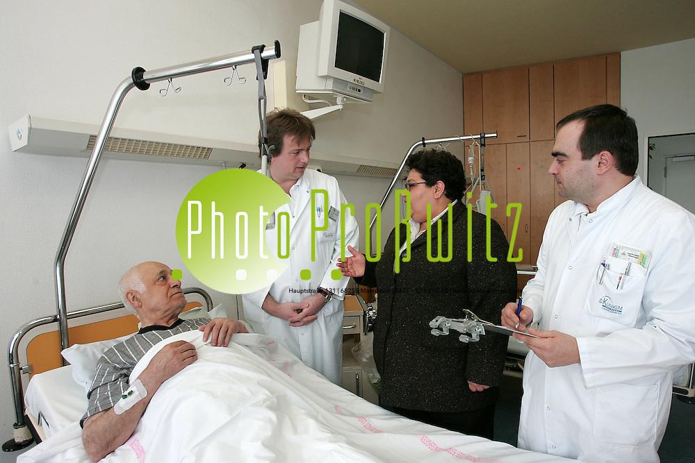 6-Dolmetscher im Krankenhaus. | Photo-Proßwitz | Onlinearchiv Mannheim