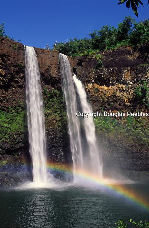 Rainbow, Wailua Falls, Kauai, Hawaii<br />