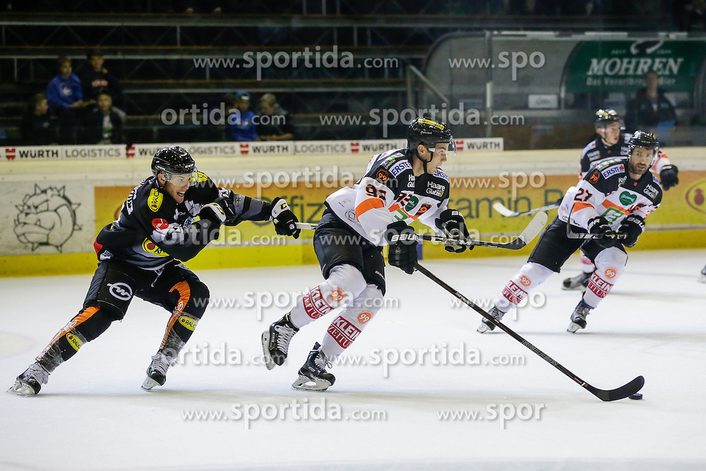16.09.2016, Messestadion, Dornbirn, AUT, EBEL, Dornbirner Eishockey Club vs Moser Medical Graz 99ers, 1. Runde, im Bild James Livingston, (Dornbirner Eishockey Club, #26) und Clemens Unterweger, (Moser Medical Graz 99 ers, #92) // during the Erste Bank Icehockey League 1st Round match between Dornbirner Eishockey Club and Moser Medical Graz 99ers at the Messestadion in Dornbirn, Austria on 2016/09/16. EXPA Pictures © 2016, PhotoCredit: EXPA/ Peter Rinderer