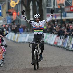 14-01-2018: Wielrennen: NK Veldrijden: Surhuisterveen: Joris Nieuwenhuis is de nieuwe U23 kampioen