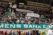 DESCRIZIONE : Siena Eurolega Eurolegue 2012-13 TOP 16 Montepaschi Siena Caja Laboral Vitoria<br /> GIOCATORE : <br /> SQUADRA :  Montepaschi Siena<br /> CATEGORIA : tifo fan supporter tifosi curva<br /> EVENTO : Eurolega 2012-2013<br /> GARA : Montepaschi Siena Caja Laboral Vitoria<br /> DATA : 15/02/2013<br /> SPORT : Pallacanestro<br /> AUTORE : Agenzia Ciamillo-Castoria/P.Lazzeroni<br /> Galleria : Eurolega 2012-2013<br /> Fotonotizia : Siena Eurolega Eurolegue 2012-13 TOP 16 Montepaschi Siena Caja Laboral Vitoria<br /> <br /> Predefinita :