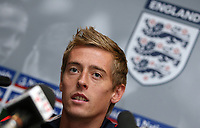Photo: Paul Thomas.<br /> England Press Conference. 04/10/2006.<br /> <br /> Peter Crouch.