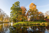 Nederland, Well, 20151102.<br /> Emerson College European Centre op het kasteel in Well, Limburg.<br /> Kasteel Well is een fraaie waterburcht. Het huidige kasteel werd pas gebouwd in de vijftiende eeuw, maar kreeg pas later, in de zeventiende eeuw, zijn huidige aanzicht. Achter het huidige kasteel liggen de resten van een torenmolen uit de vijftiende eeuw. ??Netherlands, Well, 20151102.?Emerson College European Centre at Castle Well.<br /> Kasteel Well is a beautiful moated castle. The present castle was only built in the fifteenth century, it was only later, in the seventeenth century, its current appearance. Behind the present castle lie the remains of a tower mill from the fifteenth century.