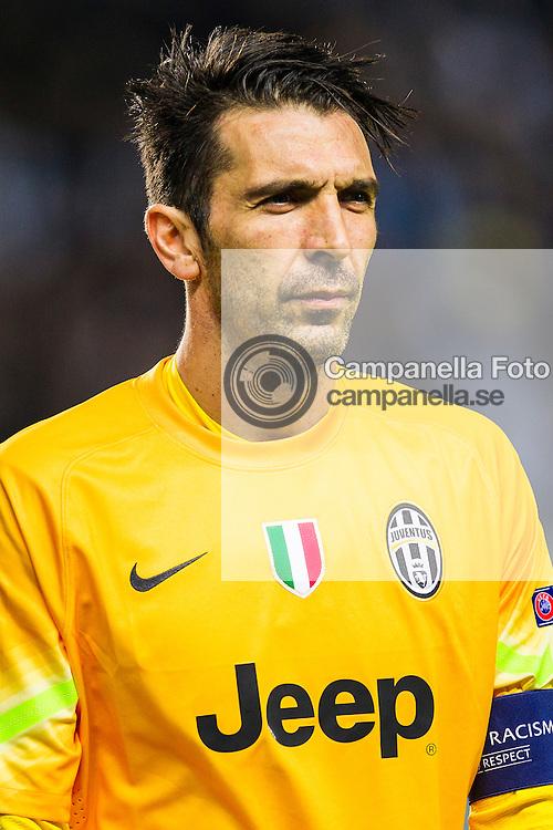 Malm&ouml; 2014-11-26 : <br /> <br /> Juventus 1 goalkeeper Gianluigi Buffon awaits the start of UEFA Champions League group match between Malm&ouml; FF and Juventus FC. <br /> <br /> (Photo: Michael Campanella / Pic-Agency)