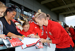 NEWPORT, WALES - Thursday, August 30, 2018: Wales' Jessica Fishlock signs autographs for young supporters after a training session at Rodney Parade ahead of the final FIFA Women's World Cup 2019 Qualifying Round Group 1 match against England. (Pic by David Rawcliffe/Propaganda)