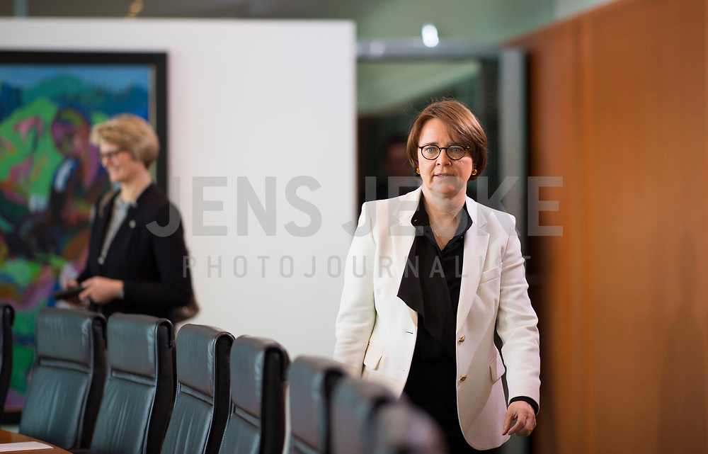 DEU, Deutschland, Germany, Berlin, 21.03.2018: Die neue Integrationsbeauftragte der Bundesregierung, Annette Widmann-Mauz (CDU), vor Beginn der 2. Kabinettsitzung im Bundeskanzleramt.