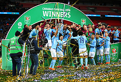 Manchester City players celebrate with the Carabao Cup - Mandatory by-line: Matt McNulty/JMP - 25/02/2018 - FOOTBALL - Wembley Stadium - London, England - Arsenal v Manchester City - Carabao Cup Final