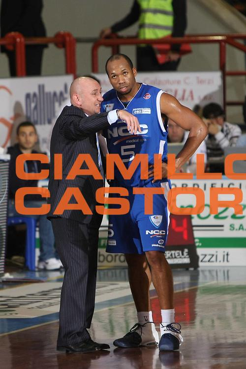 DESCRIZIONE : Porto San Giorgio Lega A1 2008-09 Premiata Montegranaro NGC Cantu<br /> GIOCATORE : Gaines Sundiata Luca Dalmonte<br /> SQUADRA : NGC Cantu<br /> EVENTO : Campionato Lega A1 2008-2009<br /> GARA : Premiata Montegranaro NGC Cantu<br /> DATA : 07/12/2008<br /> CATEGORIA : Ritratto <br /> SPORT : Pallacanestro<br /> AUTORE : Agenzia Ciamillo-Castoria/C.De Massis