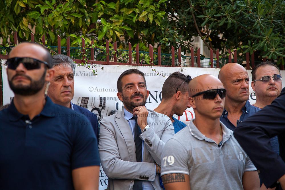 I magistrati antimafia Nino Di Matteo e Roberto Tartaglia, in via D'Amelio a Palermo in occasione del 25° anniversario dell'uccisione del magistrato Paolo Borsellino e dei suoi agenti di scorta.