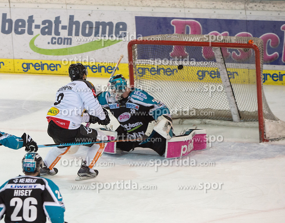 07.02.2016, Keine Sorgen Eisarena, Linz, AUT, EBEL, EHC Liwest Black Wings Linz vs Dornbirner Eishockey Club, Platzierungsrunde,im Bild Marek Zagrapan (Dornbirner Eishockey Club) scort gegen Tormann Michael Ouzas (EHC Liwest Black Wings Linz) // during the Erste Bank Icehockey League 51th round match - placement round between EHC Liwest Black Wings Linz and Dornbirner Eishockey Club at the Keine Sorgen Icearena, Linz, Austria on 2016/02/07. EXPA Pictures © 2016, PhotoCredit: EXPA/ Reinhard Eisenbauer