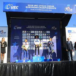 10-11-2019: Wielrennen: Europees Kampioenschap Veldrijden: Silvelle <br />Ceylin del Carmen Alvarado won het goud bij de beloften-vrouwen.<br /> De Rotterdamse streed lang met Anna Kay aan haar zijde, maar wist op een loodzwaar parcours de Britse in de slotfase af te schudden.