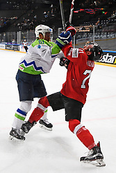 06.05.2017, AccorHotels Arena, Paris, FRA, IIHF WM 2017, Schweiz vs Slowenien, Gruppe B, im Bild Mitja Robar (SLO) gegen Tanner Richard (SUI) // during the group B match of 2017 IIHF World Championship between Switzerland and Slovenia at the AccorHotels Arena in Paris, France on 2017/05/06. EXPA Pictures &copy; 2017, PhotoCredit: EXPA/ Freshfocus/ Urs Lindt<br /> <br /> *****ATTENTION - for AUT, SLO, CRO, SRB, BIH, MAZ, ITA only*****
