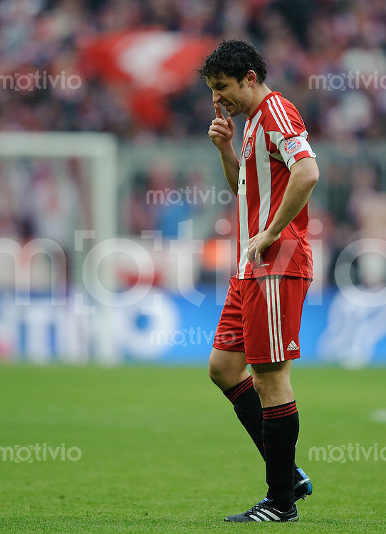 Fussball Bundesliga Saison 2010/2011 FC Bayern Muenchen - 1. FC Kaiserslautern Mark VAN BOMMEL (FC Bayern).