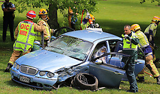 Auckland-Woman motorist suffers serious injury in crash, Massey