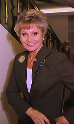 TV presenter ANGELA RIPPON, at a luncheon in London on 12th October 1998.<br /> MKR 51
