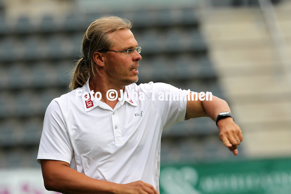 9.7.2012, Veritas stadion (Kupittaa), Turku..Veikkausliiga 2012..FC TPS Turku - FC Honka..Valmentaja Marko Rajam?ki - TPS.