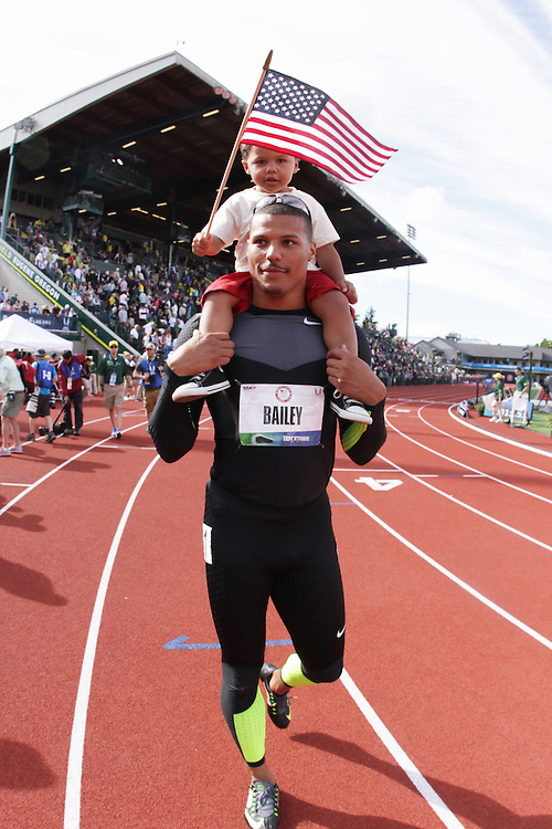 Ryan Bailey, with son on shoulders, takes victory lap after making USA Olympic team in 100 meters
