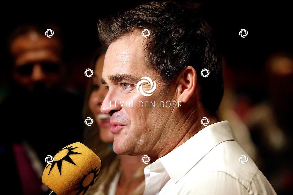 AMSTERDAM - Na het concert van De Toppers is er de welbekende VIP PARTY voor alle bekende Nederlanders. Met hier op de foto  Jeroen van der Boom. FOTO LEVIN DEN BOER - PERSFOTO.NU