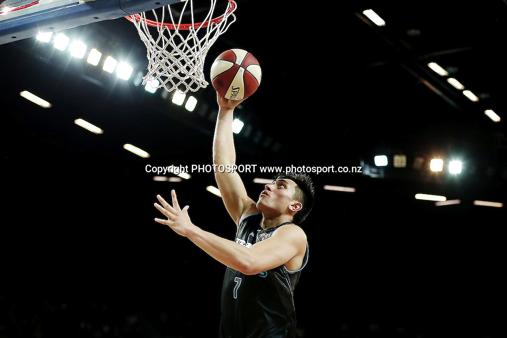 Reuben Te Rangi of the Breakers scores a layup. 2014/15 ANBL, SkyCity Breakers vs Melbourne United, Vector Arena, Auckland, New Zealand. Friday 21 November 2014. Photo: Anthony Au-Yeung / photosport.co.nz