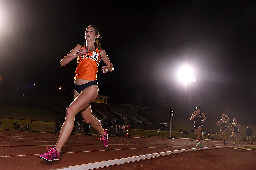 Auburn's Taylor Duncan runs in the 3200m race during the Tiger Track Classic in Auburn, AL on Friday, April 4, 2014.<br /> Zach Bland/Auburn Athletics
