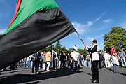 NEC supporters bezetten keizerkarelplein om hun ongegnoegen te uiten tegen het verbieden van de europacupwedstrijd op koopavond.