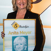 NLD/Laren/20140512 - Anita Meijer ontvangt de Radio 5 Nostalgia Ouevreprijs , Anita Meijer met haar Oeuvreaward