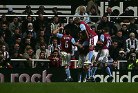 Photo: Andrew Unwin.<br />Newcastle Utd v Aston Villa. The Barclays Premiership.<br />03/12/2005.<br />Aston Villa celebrate Gavin McCann (#8) scoring the equaliser.