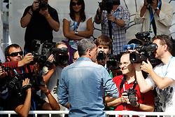 23.09.2011, Sebastian Donostia, ESP, 59. San Sebsatian Filmfestival, Zinemaldia, im Bild Spanish actor Antonio Banderas attend to the press and photographers during the 59th San Sebastian Donostia International Film Festival - Zinemaldia.September 23,2011. EXPA Pictures © 2011, PhotoCredit: EXPA/ Alterphoto/ Acero +++++ ATTENTION - OUT OF SPAIN/(ESP) +++++