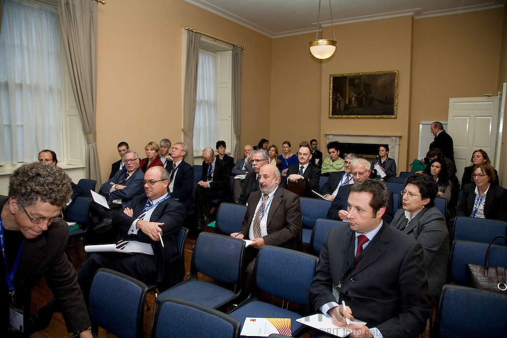 DUBLIN - IRELAND - 05 NOVEMBER 2009 -- Eurofound Forum - Global recession: Europe's way out - Workshops.  PHOTO: ERIK LUNTANG /  INSPIRIT
