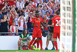 LONDON, ENGLAND - Saturday, August 6, 2016: Liverpool's Sadio Mane celebrates scoring the first goal against Barcelona during the International Champions Cup match at Wembley Stadium. (Pic by Xiaoxuan Lin/Propaganda)