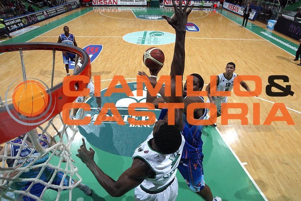 DESCRIZIONE : Siena Lega A1 2005-06 Montepaschi Siena Vertical Vision Cantu <br /> GIOCATORE : Stewart <br /> SQUADRA : Vertical Vision Cantu <br /> EVENTO : Campionato Lega A1 2005-2006 <br /> GARA : Montepaschi Siena Vertical Vision Cantu <br /> DATA : 19/11/2005 <br /> CATEGORIA : Special <br /> SPORT : Pallacanestro <br /> AUTORE : Agenzia Ciamillo-Castoria/G.Ciamillo <br /> Galleria : Lega Basket A1 2005-2006 <br /> Fotonotizia : Siena Campionato Italiano Lega A1 2005-2006 Montepaschi Siena Vertical Vision Cantu <br /> Predefinita :