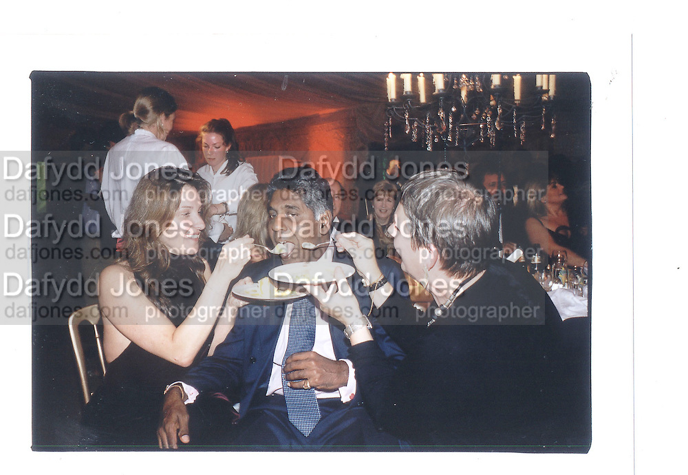 Barbara Brocolli, Uijay Arnritraj and Lindy Hemmina,  Indian Palace Ball, St James's Square, 8th July 2002© Copyright Photograph by Dafydd Jones 66 Stockwell Park Rd. London SW9 0DA Tel 020 7733 0108 www.dafjones.com