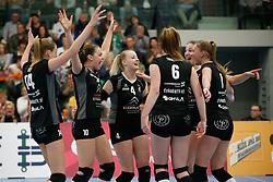 20180425 NED: Eredivisie Sliedrecht Sport - Coolen Alterno, Sliedrecht <br />(L-R) Vreugde bij speelsters Coolen Alterno <br />©2018-FotoHoogendoorn.nl / Pim Waslander