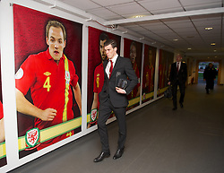 SWANSEA, WALES - Tuesday, March 26, 2013: Wales' Gareth Bale arrives at the Liberty Stadium ahead of the 2014 FIFA World Cup Brazil Qualifying Group A match against Croatia. (Pic by David Rawcliffe/Propaganda)