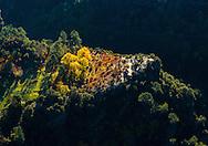France, Languedoc Roussillon, Gard, Cevennes, région Saint-Jean-du-Gard, vallée du Galeizon, vue aérienne