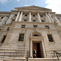 London April 21st HM The Treasury the day ahead of the Budget 2009...Standard Licence feee's apply  to all image usage.Marco Secchi - Xianpix tel +44 (0) 845 050 6211 .e-mail ms@msecchi.com .http://www.marcosecchi.com