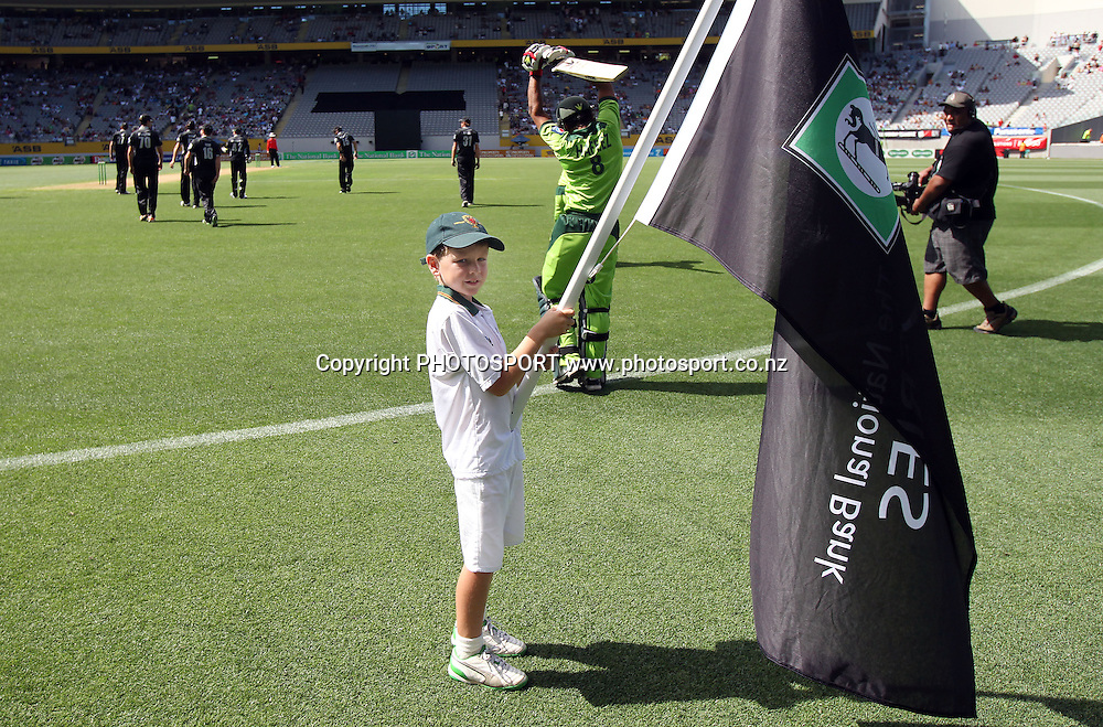 Cornwall Cricket flag bearer at the 6th ODI, Black Caps v Pakistan, One Day International Cricket. Eden Park, Auckland, New Zealand. Saturday 5 February 2011. Photo: Andrew Cornaga/photosport.co.nz