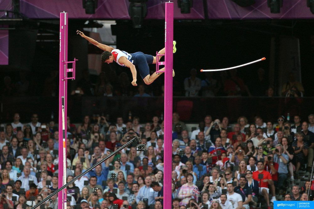 Steven Lewis, Great Britain, in action during the Men's Pole Vault Final at the Olympic Stadium, Olympic Park, Stratford during the London 2012 Olympic games. London, UK. 10th August 2012. Photo Tim Clayton